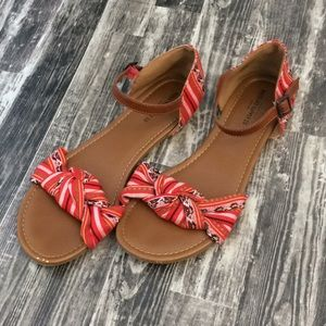 Mossimo supply Co. size 10 sandals